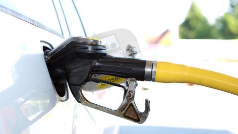 Cuánta gasolina puedes comprar con tu sueldo