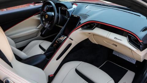 Detalles del interior del Ferrari Roma