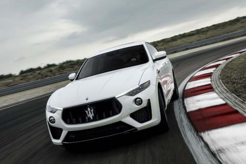 Maserati Ghibli y Quattroporte Trofeo, las berlinas más rápidas, y el Levante Trofeo