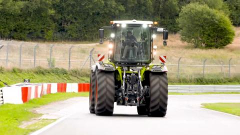 Vuelta Nürburgring tractor