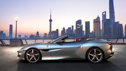 deportivo descapotable lujo altas prestaciones motor V8