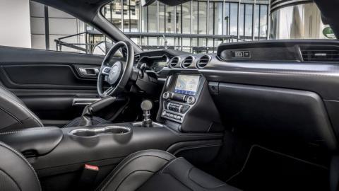 Interior del Ford Mustang Mach 1