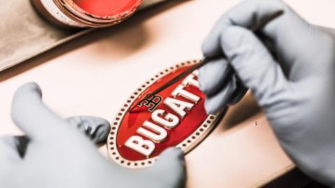 Macaron, insignia de Bugatti