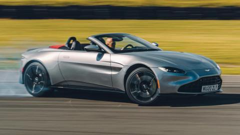 Mercedes compra Aston Martin