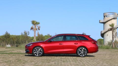 familiar coche compacto rojo FR nuevo prueba