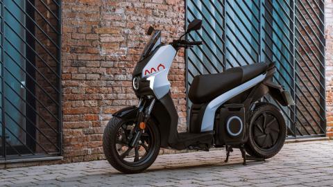 moto electrica ciudad urbana nueva tecnologia movilidad