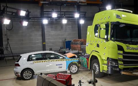 Crash test: VW Golf contra camión eléctrico