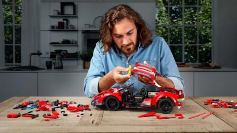 Galería: Ferrari 488 GTE de Lego