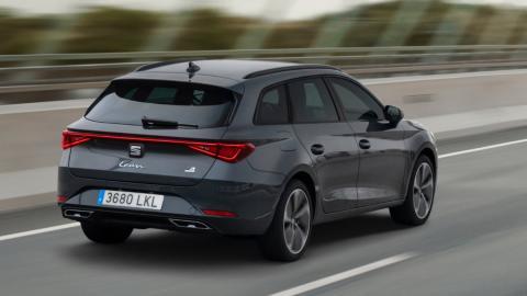 Seat León híbrido vs Volkswagen Golf híbrido