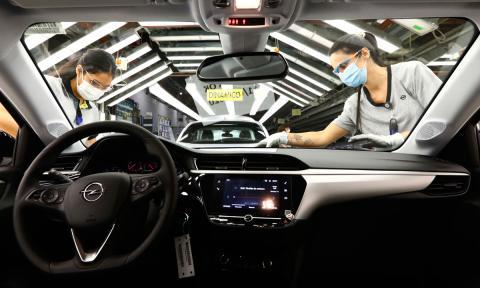 El sector del automóvil estalla contra el Gobierno