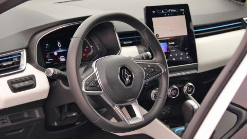 Renault Clio e-Tech interior