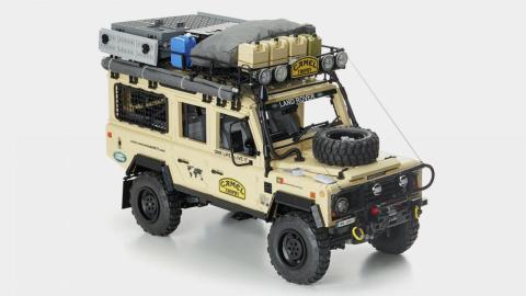 Land Rover Defender Camel Trophy Lego