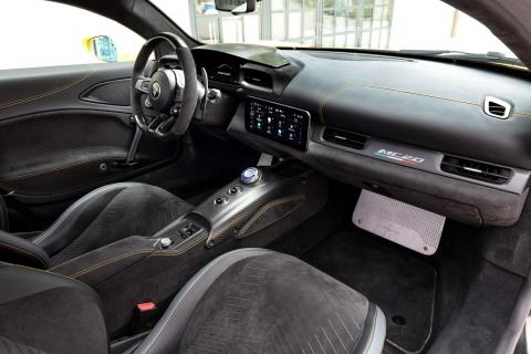 Maserati MC20: detalles e interior