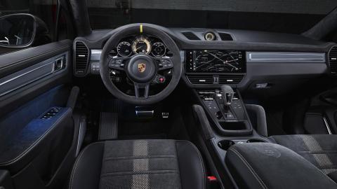 Interior del Porsche Cayenne Turbo GT