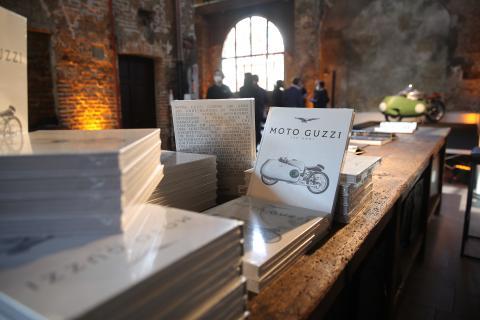 Libro Moto Guzzi 100 Anni