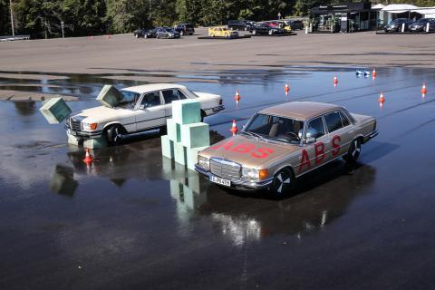 Pruebas del ABS con un Mercedes-Benz Clase S de 1978