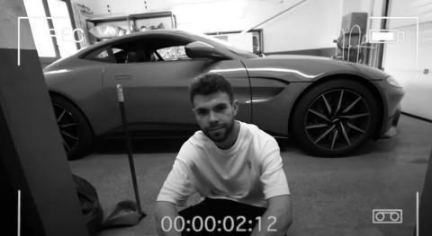 Youtuber estrella Aston Martin