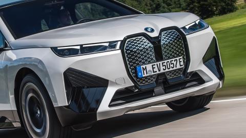 Calandra autorreparable del BMW iX 2022