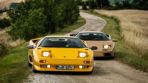 Lamborghini Diablo, antes y después del restyling