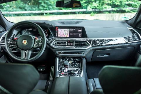 Manhart MHX6 700 WB interior