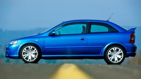 Opel Astra OPC 2002