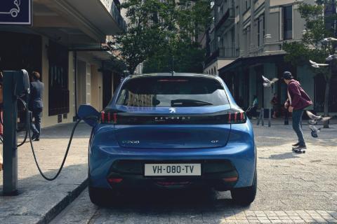 El país de Europa que le ha declarado la guerra al coche eléctrico