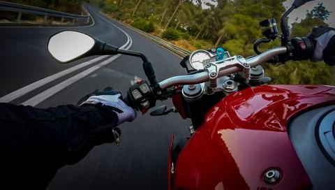 Pillado en moto a 204 km/h por una carretera Toledog
