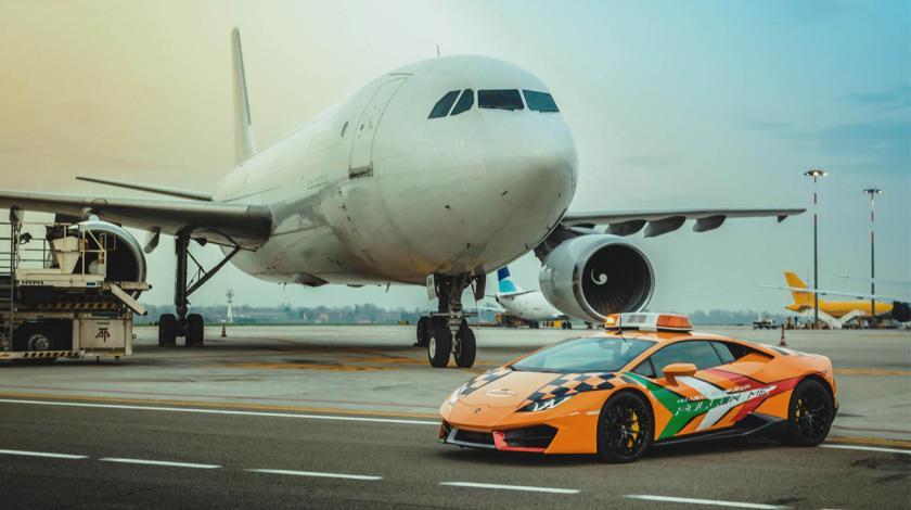 Lamborghini del aeropuerto de Bolonia