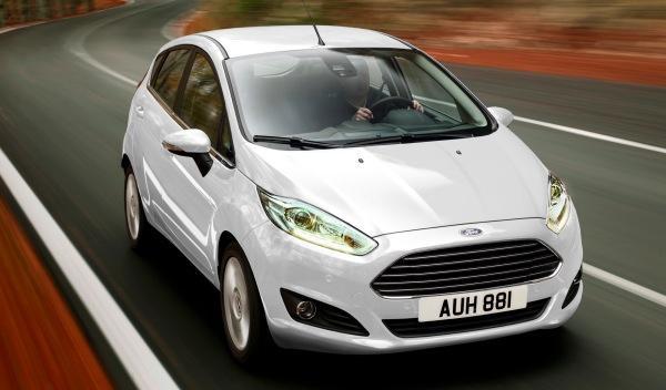 Los españoles prefieren un coche blanco, gasolina y manual