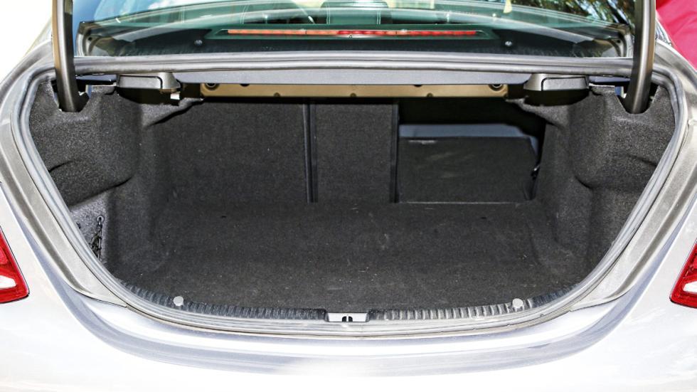 Mercedes C 220 BlueTEC maletero