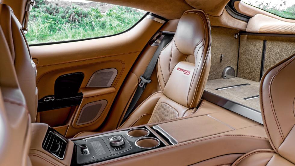 Aston Martin Rapide S plazas traseras