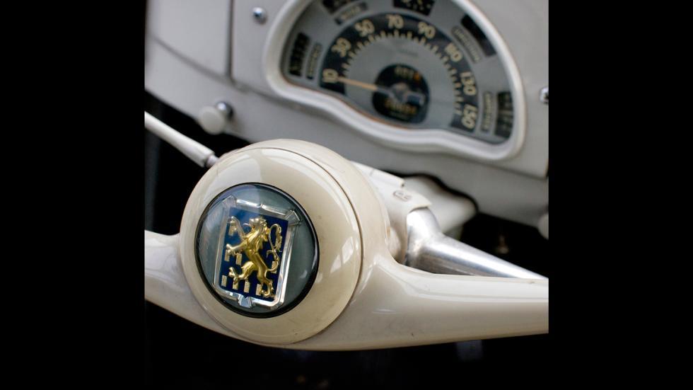 Logo Peugeot 203