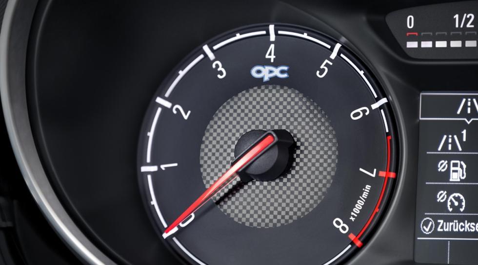 Opel Corsa OPC 2015 tacometro