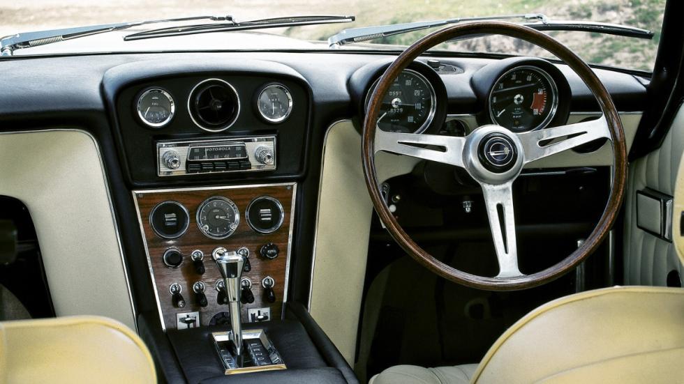 interior del Jensen FF V8