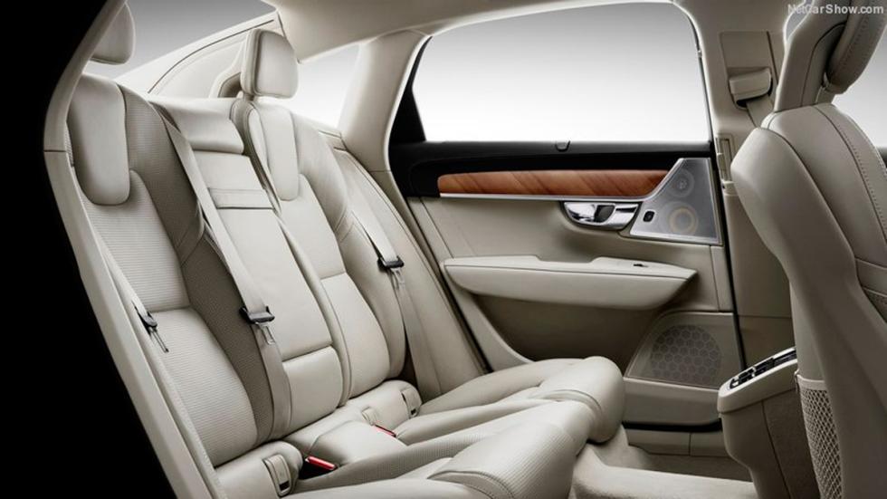 Volvo S90 asientos traseros