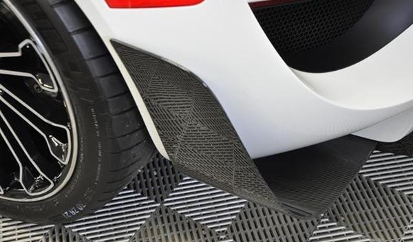 Porsche 918 Spyder Martini flaps