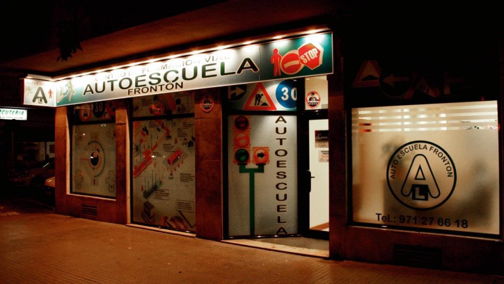 Autoescuela-de-noche