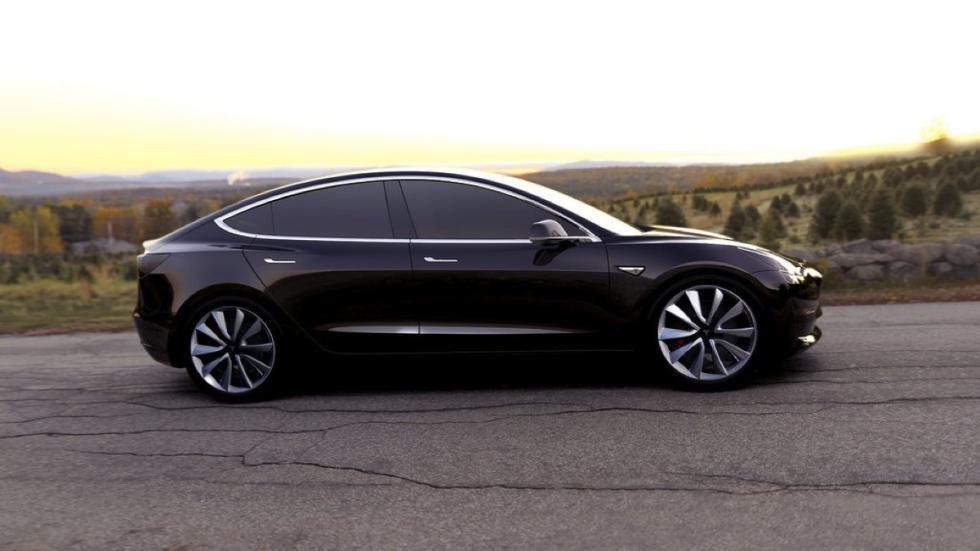 Tesla Model 3 negro