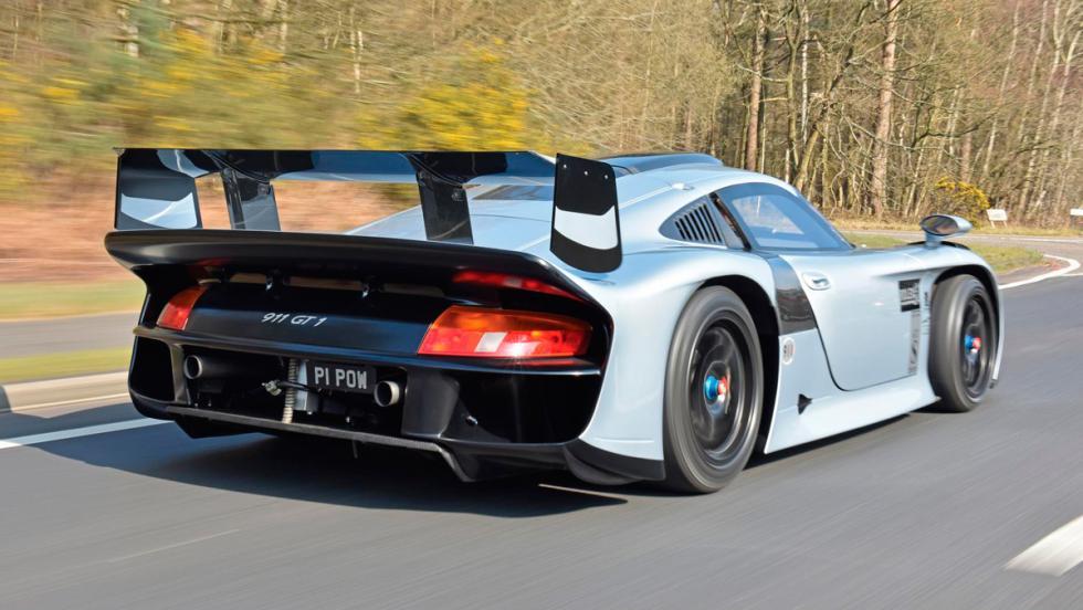 2. Porsche 911 GT1 Evolution (1997). 2,2 millones de euros
