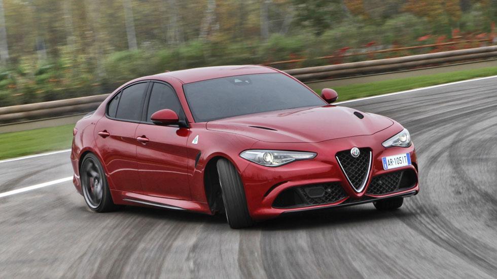 Alfa Romeo Giulia QV derrape derrapando drift circuito