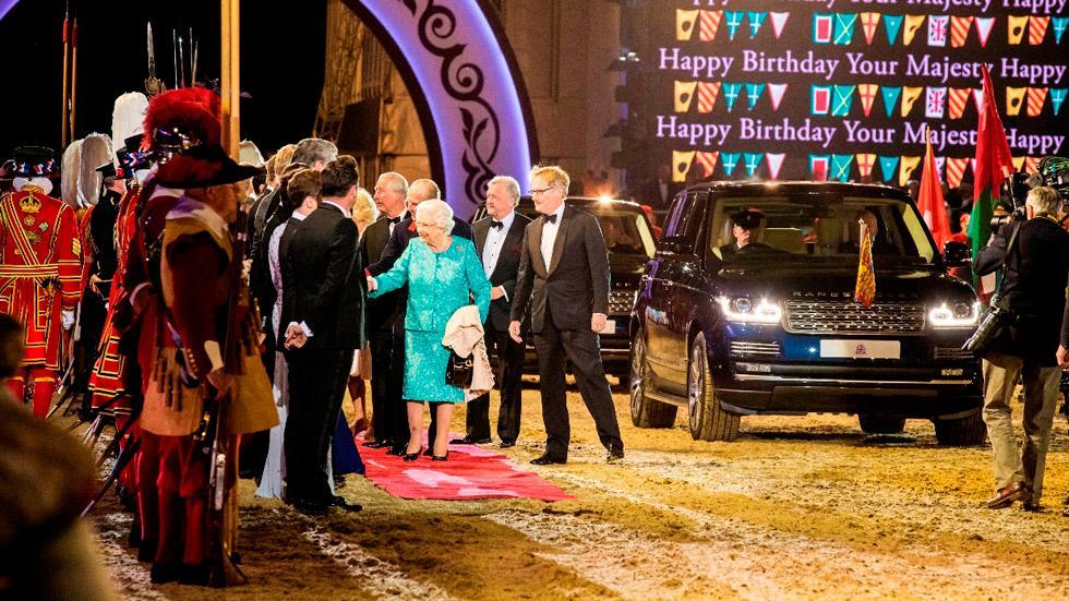Cumpleaños Reina Inglaterra (4)