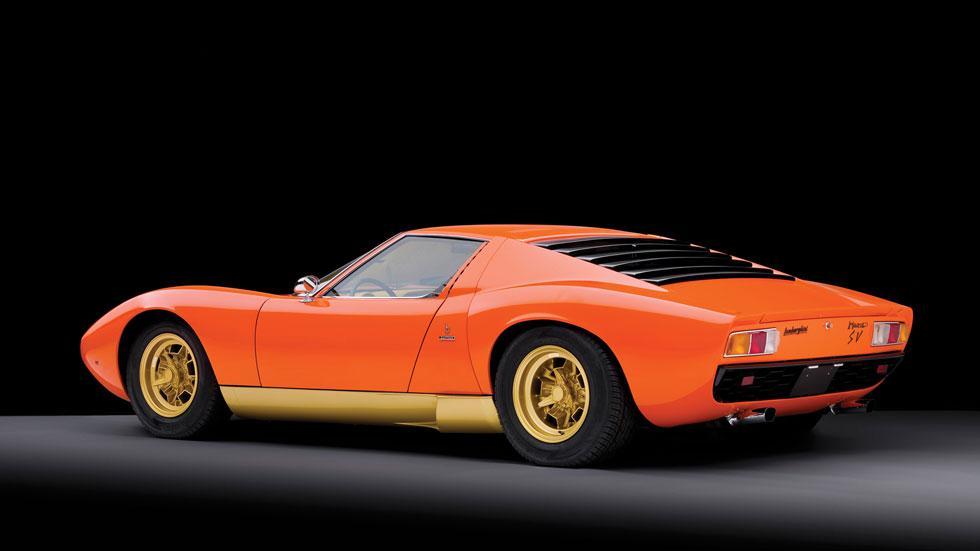 Lamborghini Miura SV trasera naranja