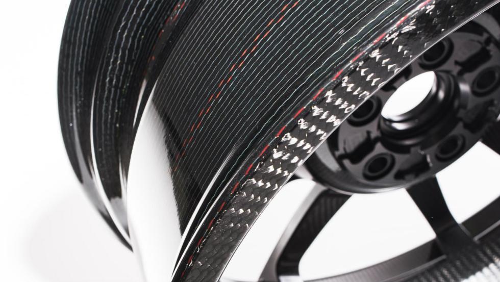 Llantas de carbono del Ford GT 6