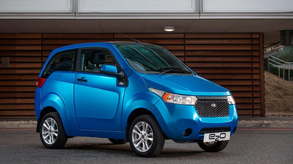 Mahindra e2o coches electricos azul utilitario