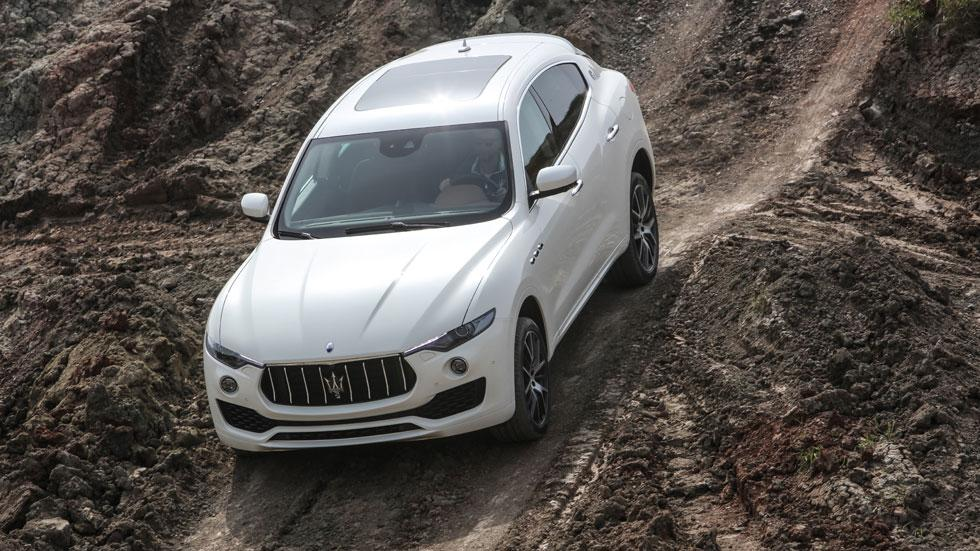 Maserati Levante off-road bajada descenso