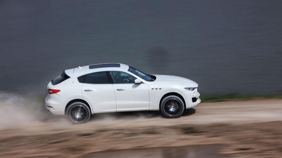 Maserati Levante off-road barrido 4x4