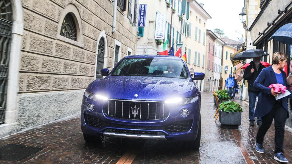 Maserati Massimo Bottura azul Levante
