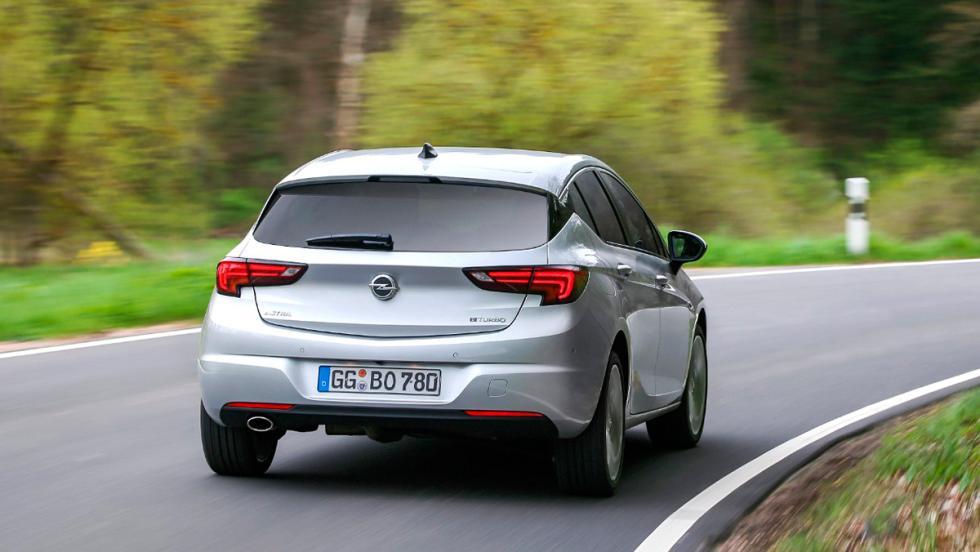 Opel Astra BiTurbo, 2