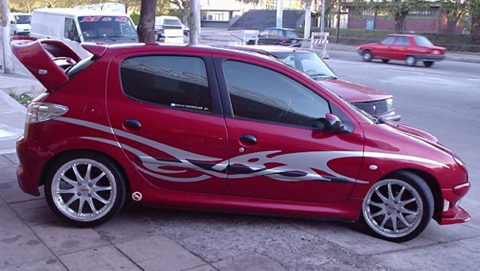 6 - Peugeot 206