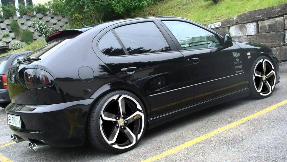 8 - Seat León